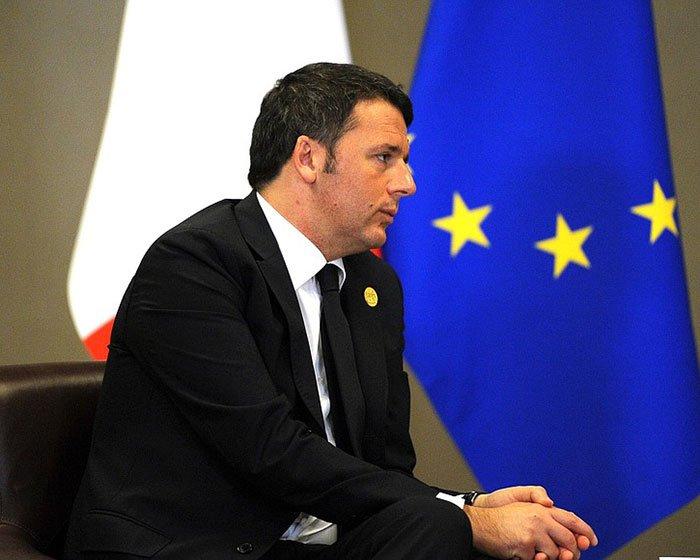 Renzi s'è dimesso: da lunedì il bergamasco Martina segretario Pd